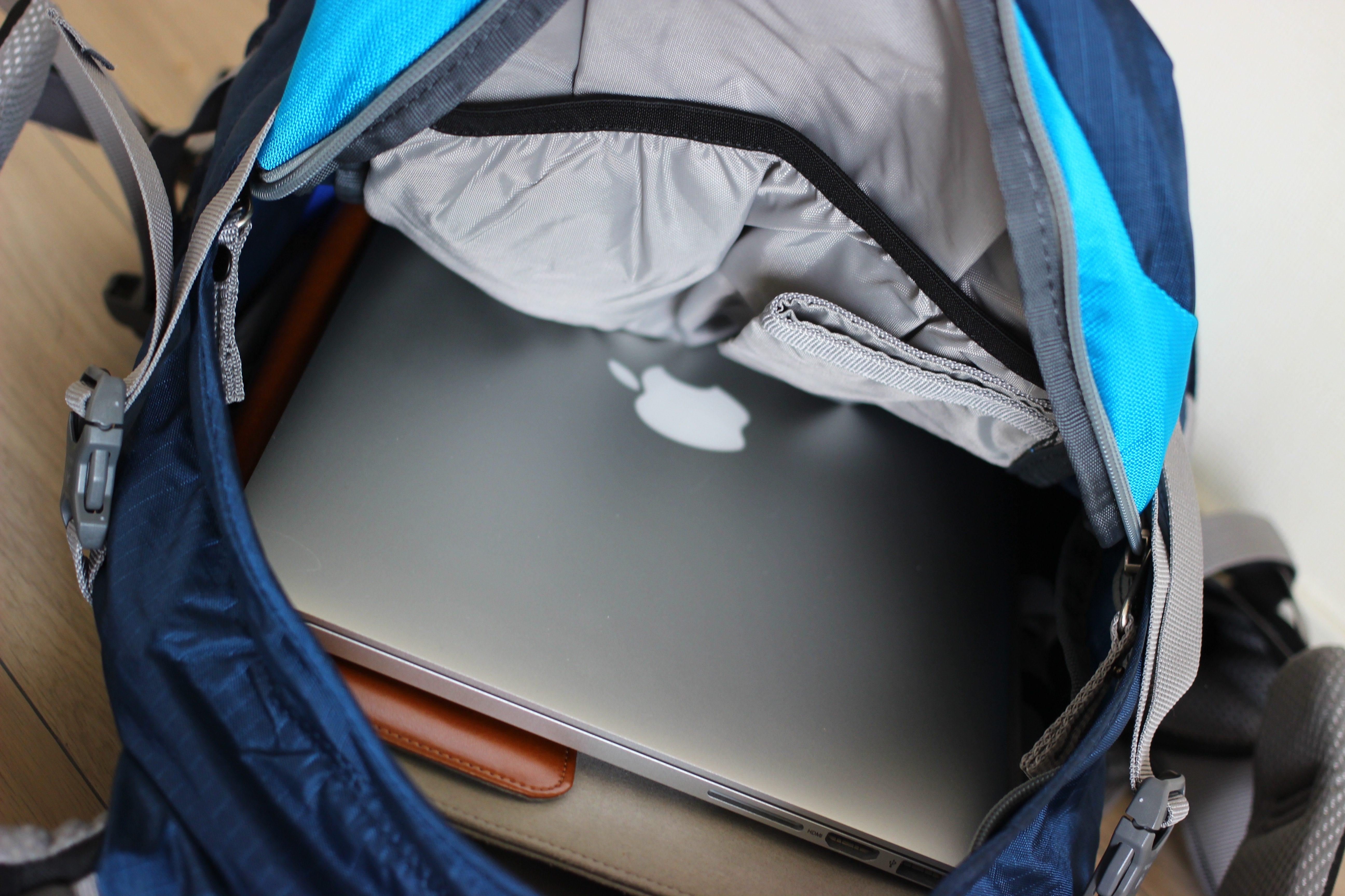 MacBookがピッタリ入るサイズのサイクリング用バッグ